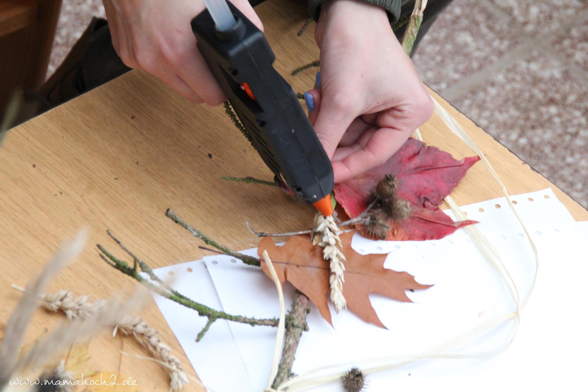Mit Kindern basteln DIY Herbstdeko aus Naturmaterialien