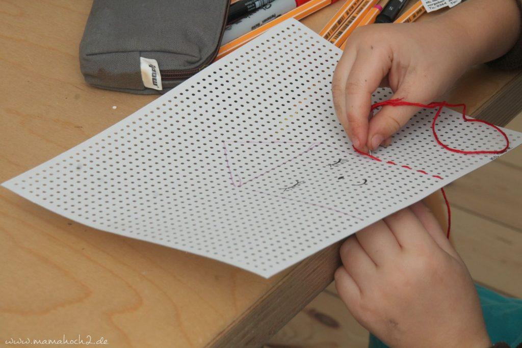 sticken für kinder mit stickkarton sticktwist selfmade deko (4)