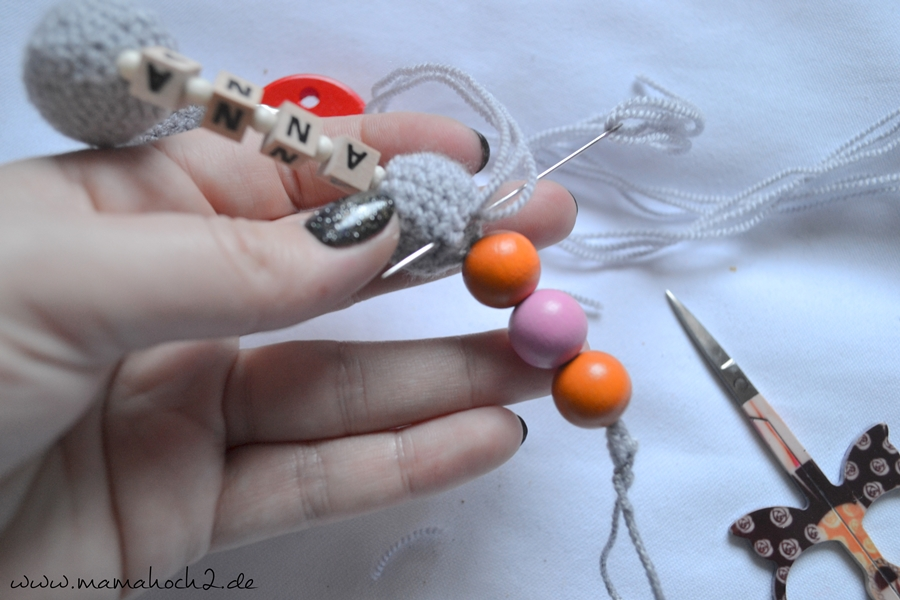 Häkelanleitung Nuckelkette häkeln Schnullerkette häkeln Perlen häkeln (10)
