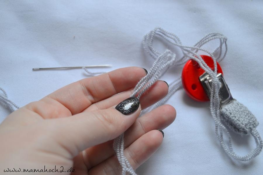 Häkelanleitung Nuckelkette häkeln Schnullerkette häkeln Perlen häkeln (6)