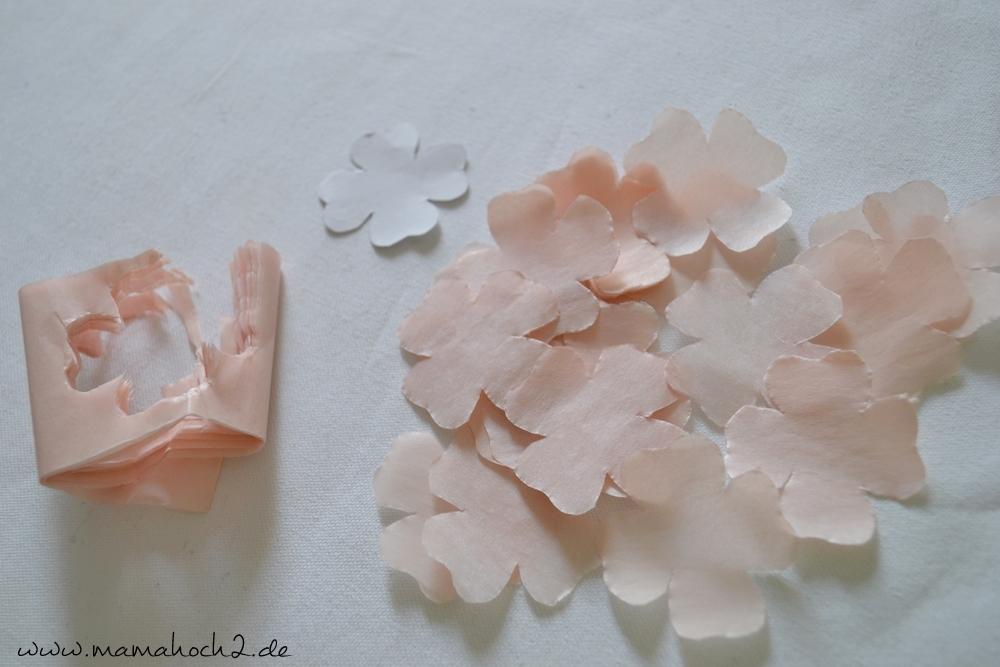 Kirschblüten aus Seidenpapier – Bastelanleitung (5)
