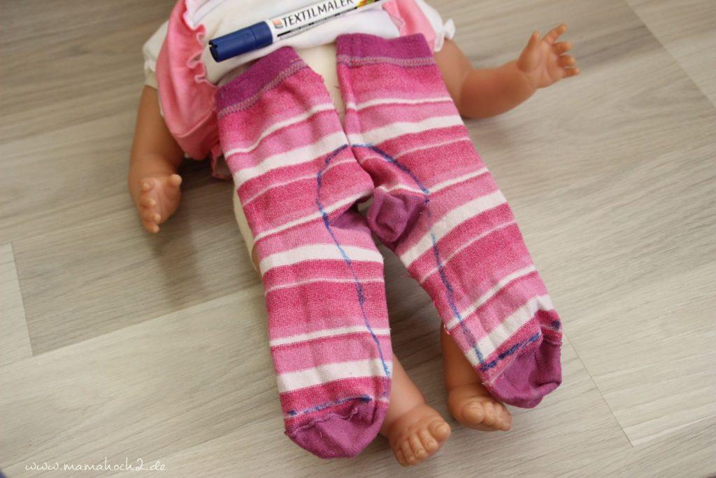 DIY Nähanleitung Puppenhose aus alten Strumpfhosen und Socken (2)
