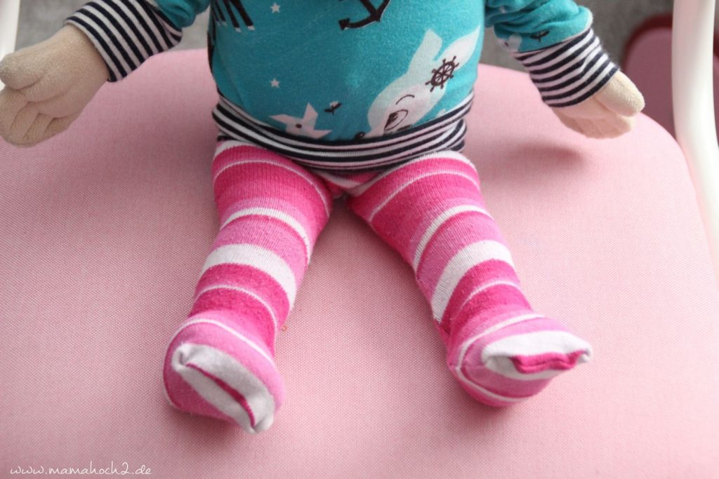 DIY Nähanleitung Puppenhose aus alten Strumpfhosen und Socken (9)