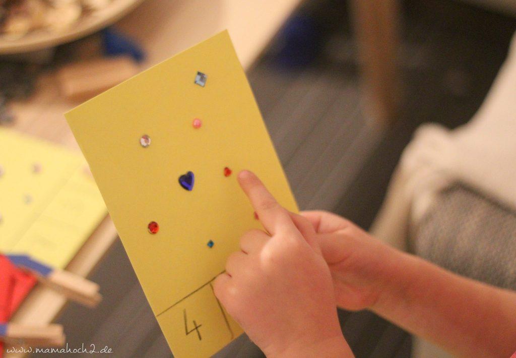 vorschule übungen montessori lernkarten zählkarten klammern mamablog (10)
