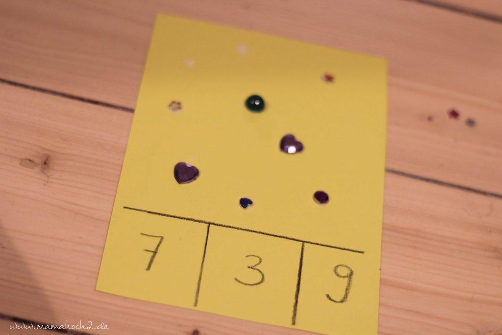 vorschule übungen montessori lernkarten zählkarten klammern mamablog (2)