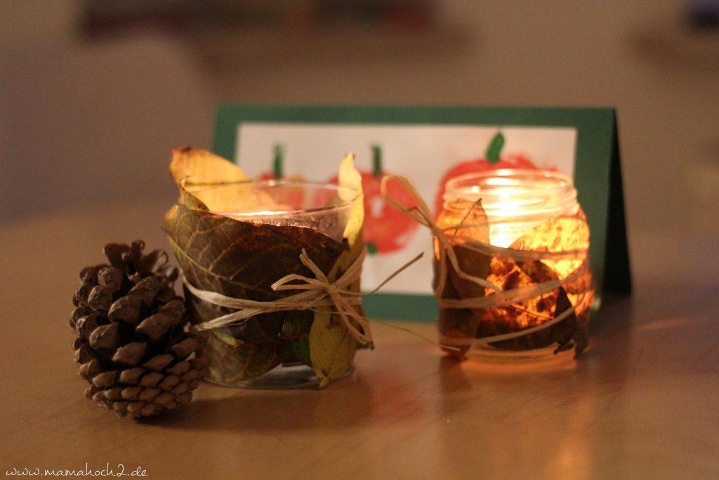 Herbstbasteln windlicht Laubblätter Laub Kerze Kerzenglas DIY Bastelanleitung für Kinder basteln (3)