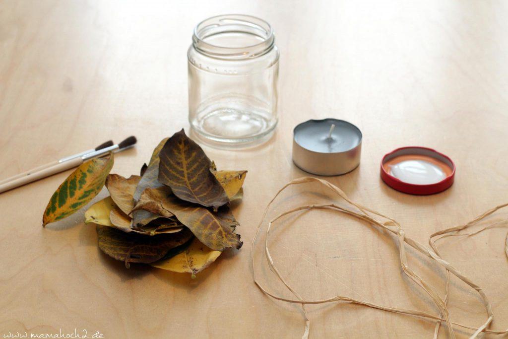 Herbstbasteln windlicht Laubblätter Laub Kerze Kerzenglas DIY Bastelanleitung für Kinder basteln (8)