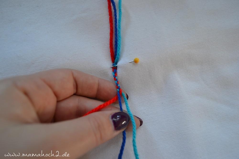 Kordeln . Kordeln selber machen . felchten . strickmühle (44)