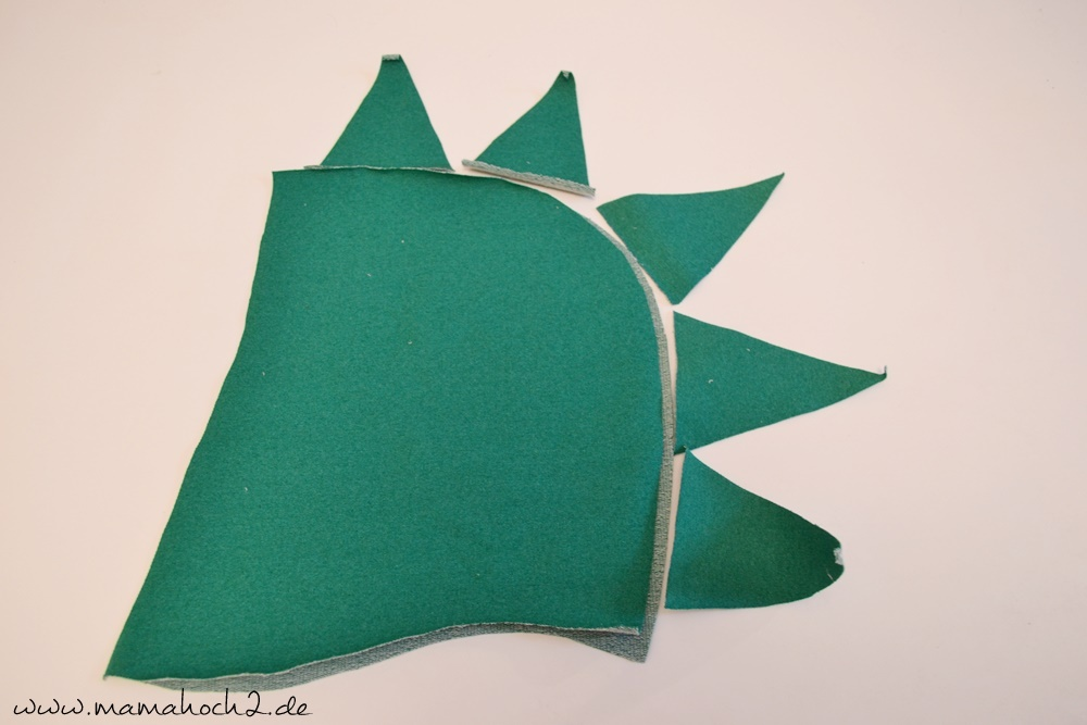 Drachenzacken für die Kapuze . Drachenpullover . Faschingskostüm selber nähen . Drachenkostüm . Drachenkapuze (2)