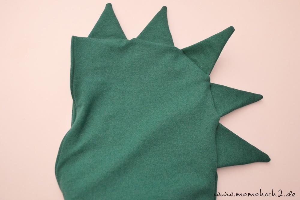 Drachenzacken für die Kapuze . Drachenpullover . Faschingskostüm selber nähen . Drachenkostüm . Drachenkapuze (46)
