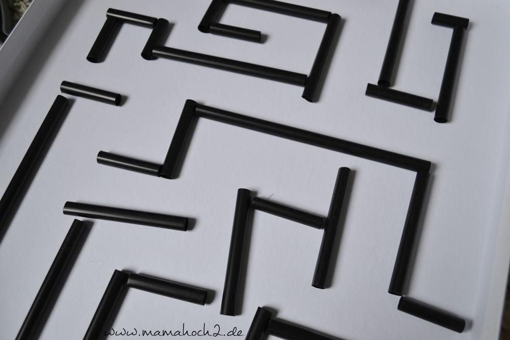 Labyrinth im Deckel . Labyrinth . Basteln mit Strohhalmen . Labyrinth selber basteln . Basteln mit Alltagsgegenständen (4)