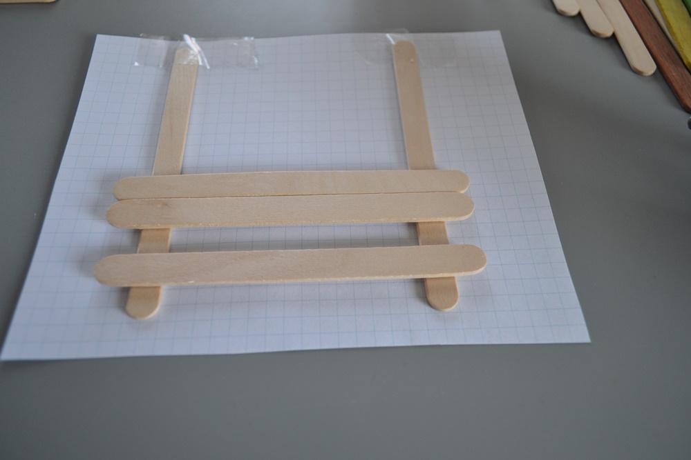 Stiftehalter aus Eisstielen . Basteln mit Holz . Holz . Holzstiele verarbeiten . Basteln mit Naturmaterialien (25)