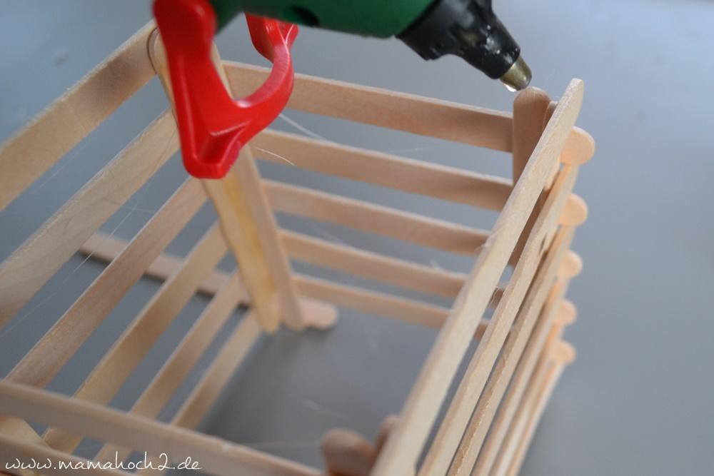 Stiftehalter aus Eisstielen . Basteln mit Holz . Holz . Holzstiele verarbeiten . Basteln mit Naturmaterialien (34)
