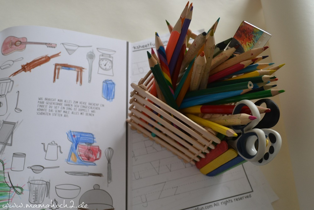 Stiftehalter aus Eisstielen . Basteln mit Holz . Holz . Holzstiele verarbeiten . Basteln mit Naturmaterialien (39)