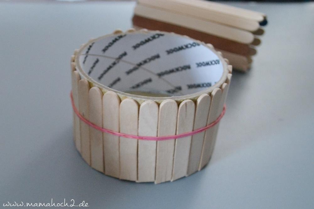 Stiftehalter aus Eisstielen . Basteln mit Holz . Holz . Holzstiele verarbeiten . Basteln mit Naturmaterialien 49