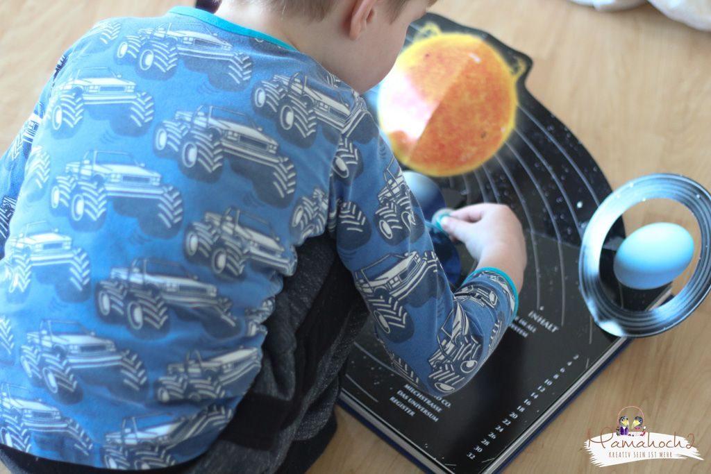 planeten lernen sonnensystem tipps spielideen erde mond sonne neptun lernen fürs leben kinderzimmer ideen für zu hause (20)