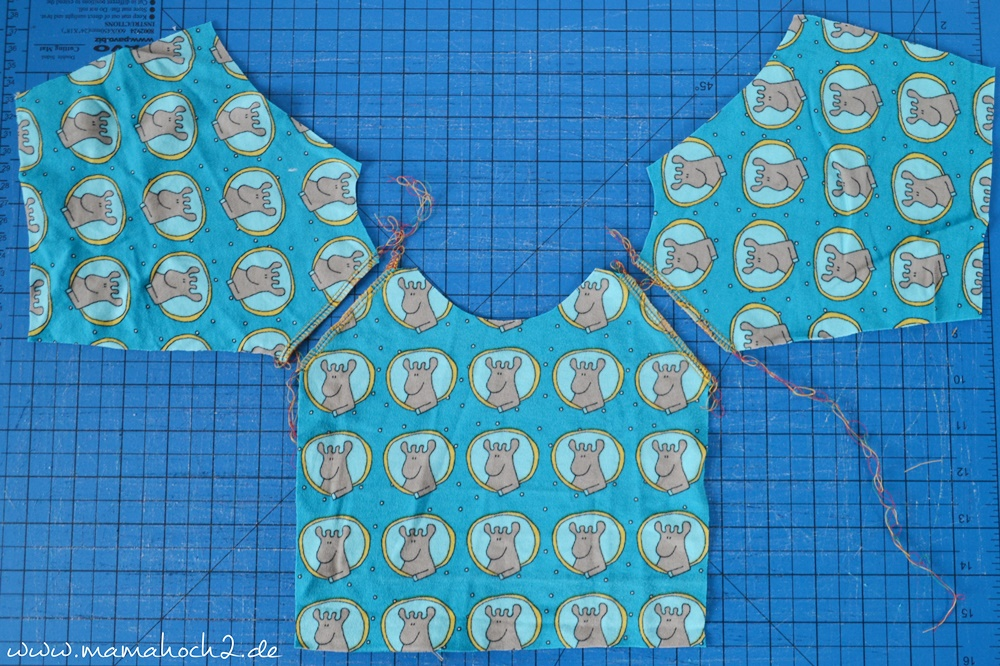 Autumn Rockers mit doppelter Knopfleiste . doppelte Knopfleiste nähen . Raglan für Babys . Babypullover . nähen für babys . Knopfleiste einnähen (11)