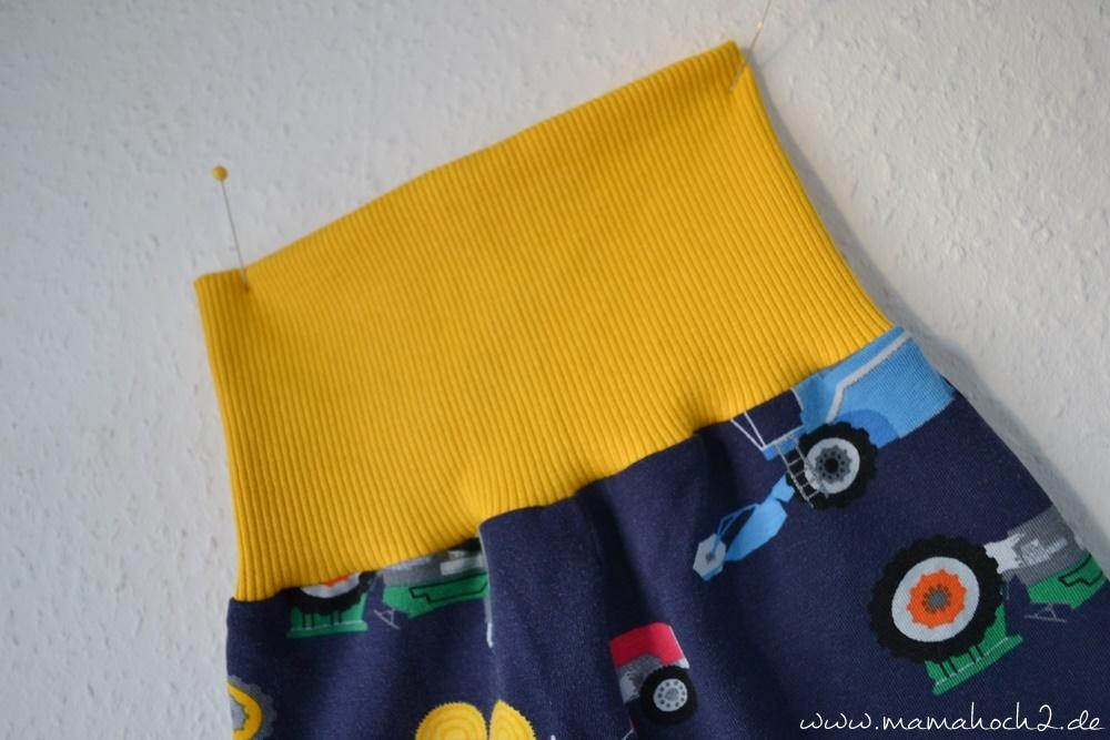 Babyhose einfach nähen . Babypump Rockers mit Knopfleiste . Knopfleiste in eine Babyhose nähen . Nähen für Babys . Pumphose mit Knopfleiste 21