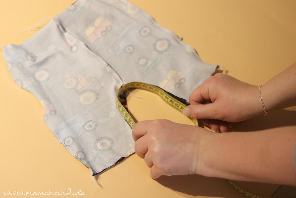 Babyhose einfach nähen . Babypump Rockers mit Knopfleiste . Knopfleiste in eine Babyhose nähen . Nähen für Babys . Pumphose mit Knopfleiste (9)
