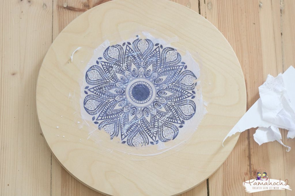 Ikea Frosta hack Möbel umgestalten mit Fototransfer auf Holz (9)