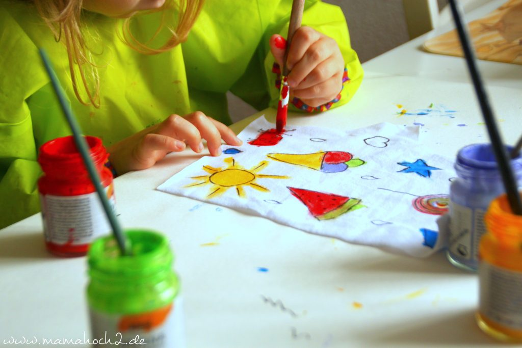 Gut gemocht Stoff bemalen mit Kindern- individuelle Kleidung designed aus FE48