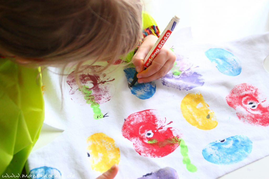Stoff Bemalen Mit Kindern Individuelle Kleidung Designed Aus Kinderhand Mamahoch2